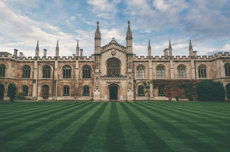 Borse studio Inghilterra Università di Cambridge studenti internazionali Scambieuropei