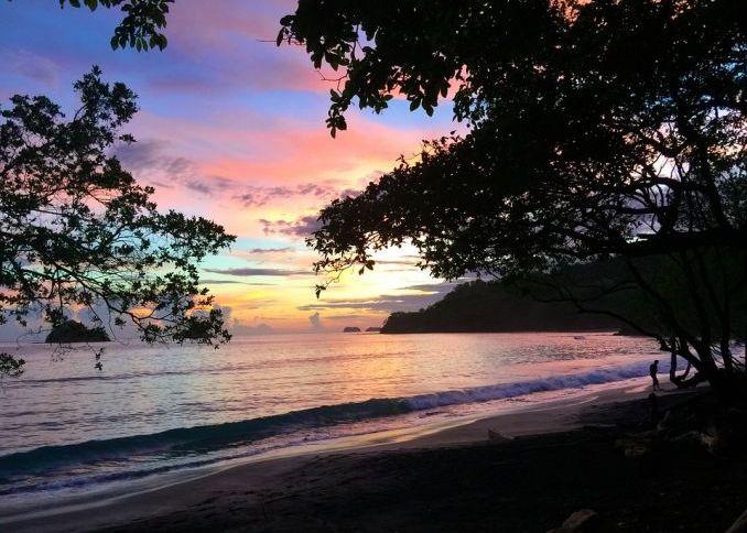 trasferirsi all'estero in Costa Rica spiaggia