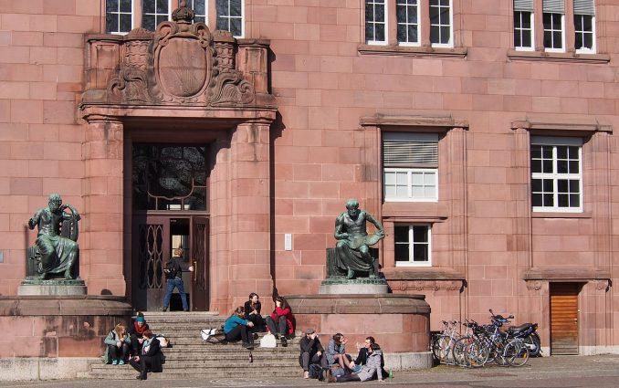 Friburgo università