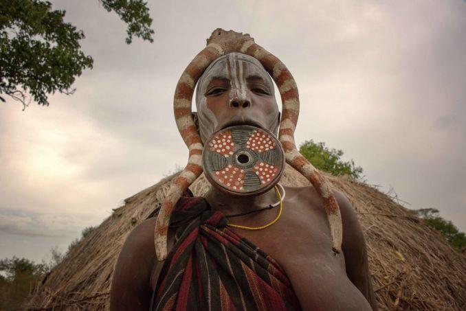 Tribù africane, Donna Mursi