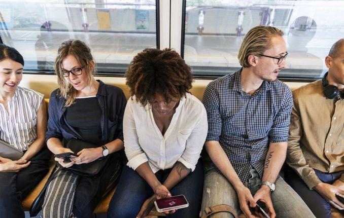 Smartphone in treno