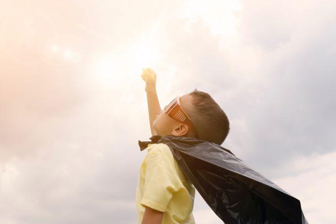 Cosa fare nella vita - Bambino vestito da supereroe