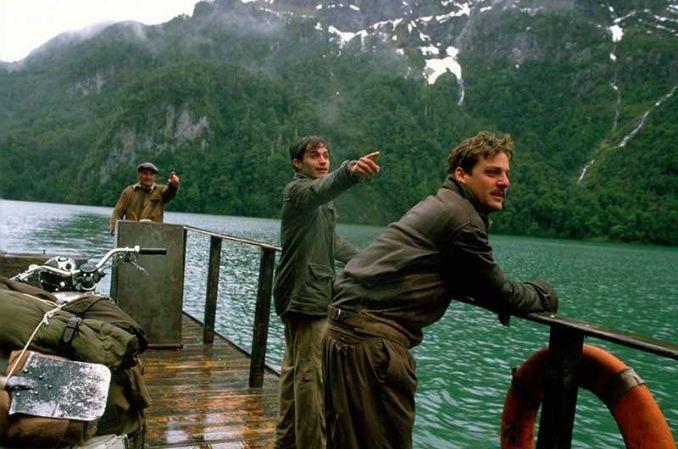 Uomini su una barca nel film