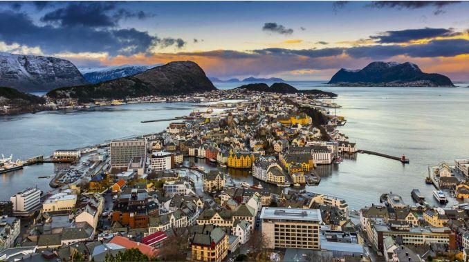 alesund città norvegia cosa vedere