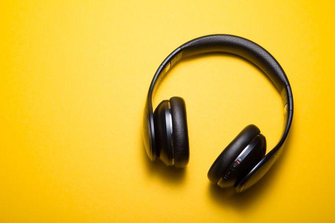 cuffie ascoltare musica cantanti spagnoli