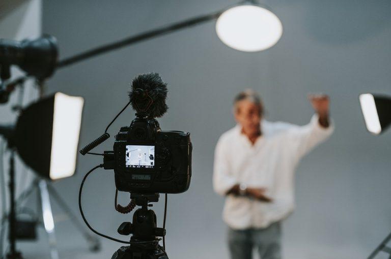 Borsa di studio per corso di recitazione per attore cine