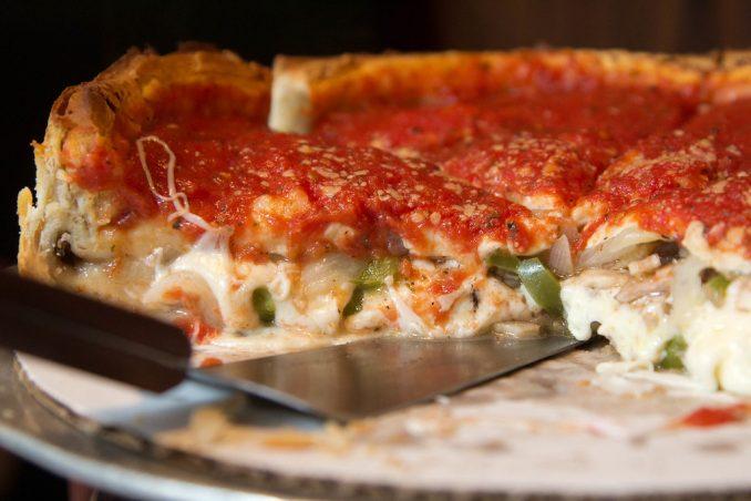 cibo americano deep-dish pizza