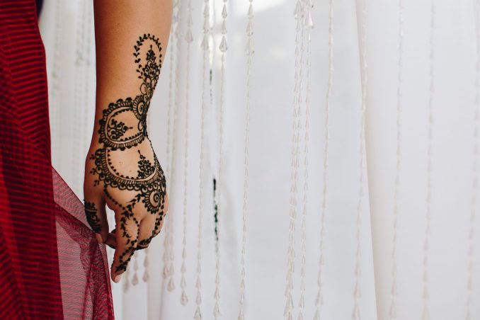 mani dipinte henné