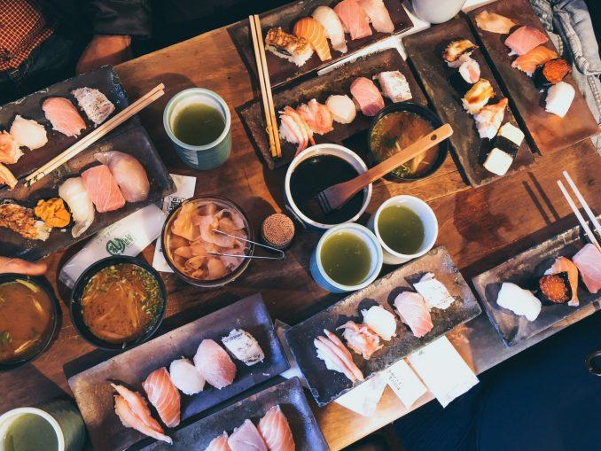 Piatti tipici giapponesi sushi