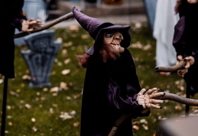 strega halloween