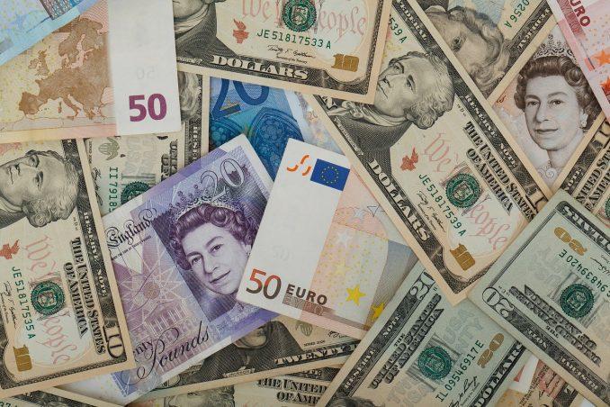 inviare soldi all'estero cambio valuta